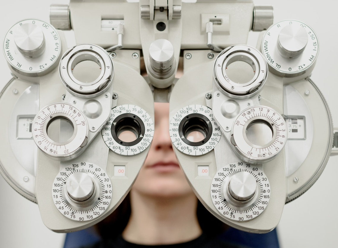 Ophthalmologist, optometrist, optician: What is the difference and which is the best choice for your eyes?