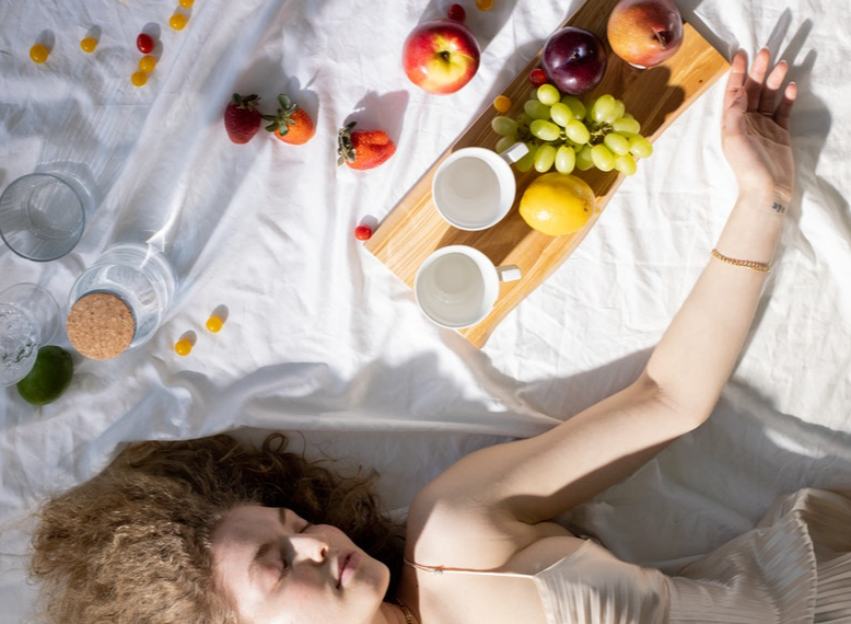 What should we eat to sleep well?